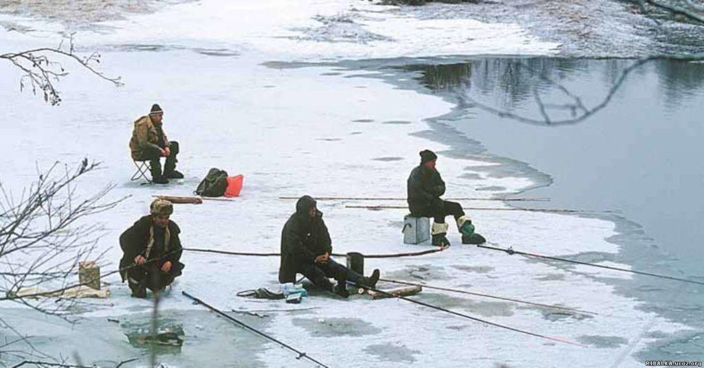 Место ловли карася зимой