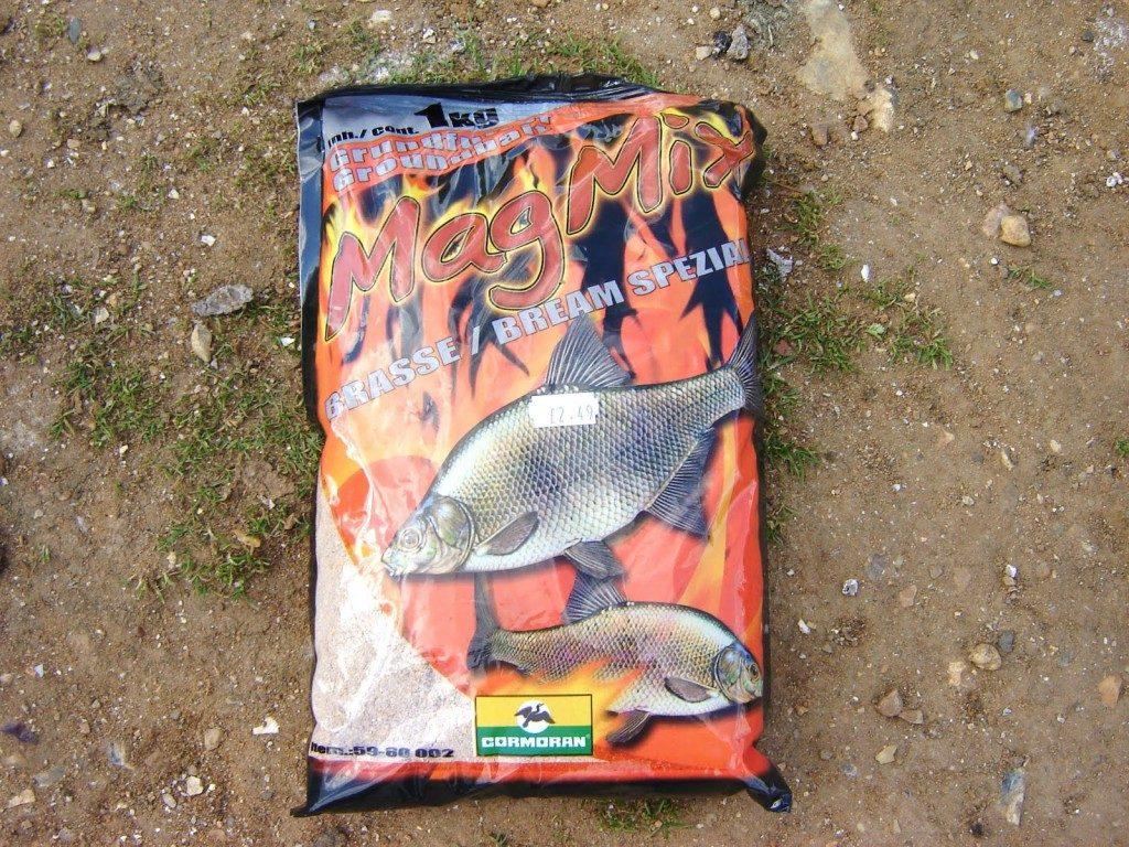 Как подобрать прикормку для ловли карпа летом