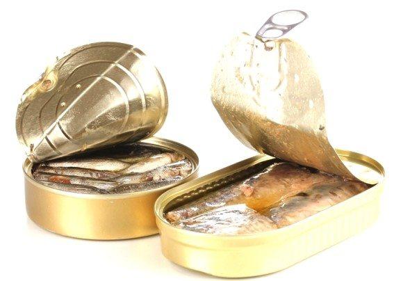Россельхознадзор помешал выпуску консервов из просроченной рыбы