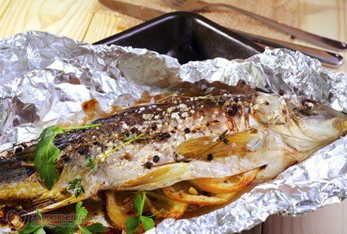 Рыба на вертеле в фольге