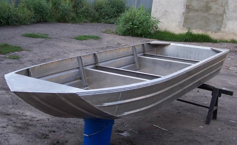 Алюминиевая лодка для рыбалки