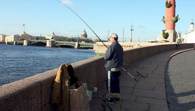 рыбалка в городе миниатюра