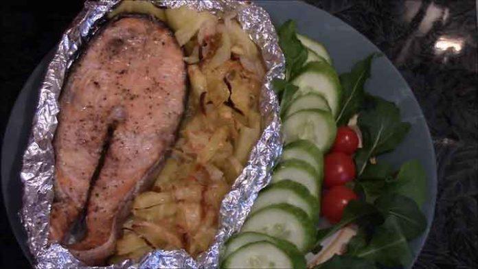 Кета-с-картофелем-в-духовке