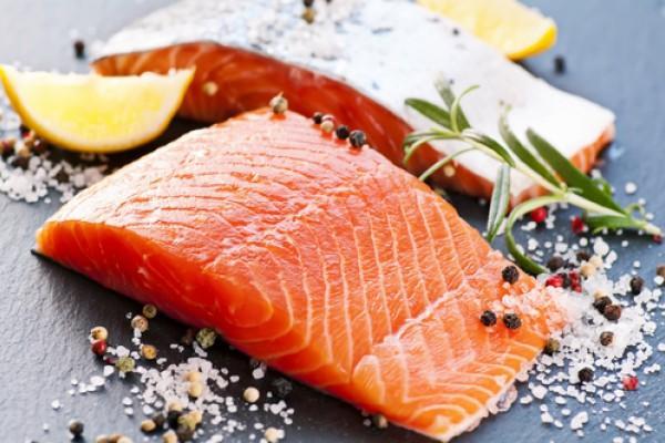 Аппетитный кусочек красной рыбы